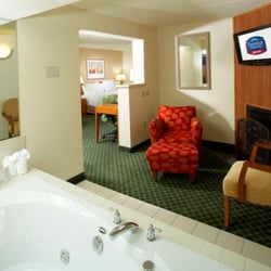 Hotels With Jacuzzi In Room In Des Moines Iowa