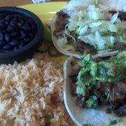 Los Cántaros Restaurant And Taquería - Oakland, CA, États-Unis. Chipotle steak tacos