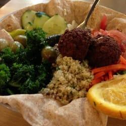 Green Vegetarian Cuisine at Pearl Brewery - Mediterranean Bowl - San Antonio, TX, Vereinigte Staaten
