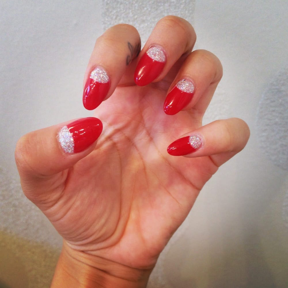 Red Round Acrylics With Silver