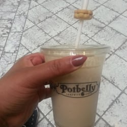 Potbelly Sandwich Shop - They malt chocolate shakes ARE TO DIE FOR!!! U gotta try these Amazing! !! - Braintree, MA, Vereinigte Staaten