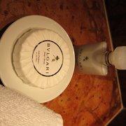 Badezimmer-Ausstattung (Düfte, Duschgel,…