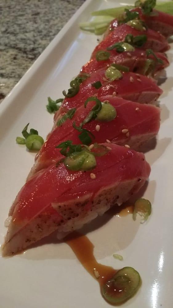 Sakana sushi bar japanese restaurant 162 photos for Asia sushi bar and asian cuisine mashpee