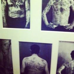 Musée du Quai Branly - Paris, France. Histoire du tatouage dans l'expo Tatoueurs, tatoués.