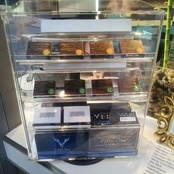 Online electronic cigarette shop