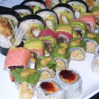 One fish two fish red fish blue fish chicago yelp for Blue fish sushi thai