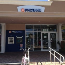 PNC Bank - North Miami Beach, FL, États-Unis. In a Strip Mall