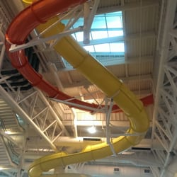 Evergreen Wings & Waves Waterpark - Slides all around. - McMinnville, OR, Vereinigte Staaten