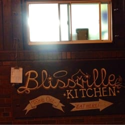 Blissville kitchen geschlossen amerikanisch long for W kitchen cafe gandaria city