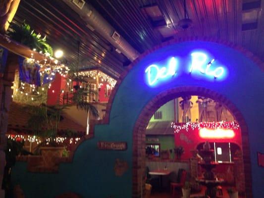 Cafe Del Rio Near Me