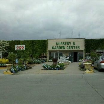 Earl may nursery garden center nurseries gardening 5155 northland ave ne cedar rapids for Earl may nursery garden center