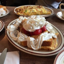 Salonica diners hyde park chicago il yelp for 57th street salon hyde park