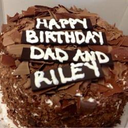 European Cake Gallery - Swiss Black Forest cake with milk chocolate shavings - San Diego, CA, Vereinigte Staaten
