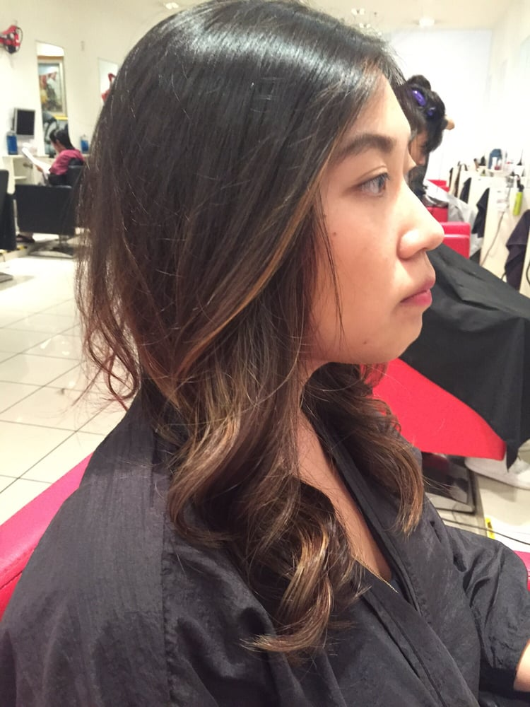 Balayage side view by neil yelp for A cutting edge salon