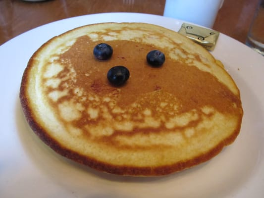Alias - Buttermilk-cornmeal pancake with blueberries. - New York, NY, Vereinigte Staaten