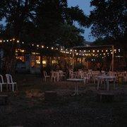 Chez Alriq la Guinguette - Bordeaux, France. extérieur nuit