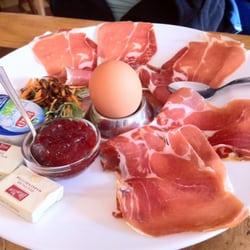 Frühstück Rustica u.a. mit Parmaschinken…