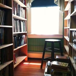Cranbury Book Worm - All that is missing is you... - Cranbury, NJ, Vereinigte Staaten