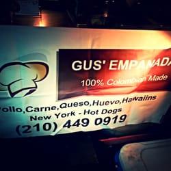 Gus' Empanadas logo
