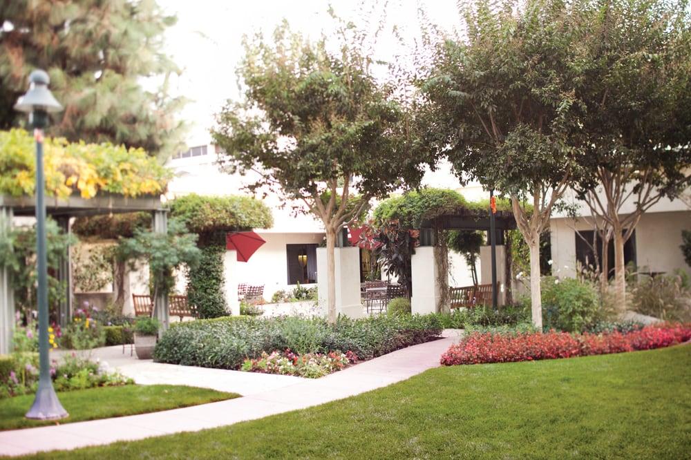 Pasadena Villa Reviews