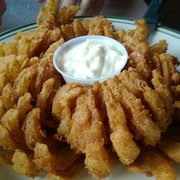 """Mount Rainier Railroad Dining Co - Their version of a """"Blooming Onion"""" - Sadly, it was the only thing we liked. - Elbe, WA, Vereinigte Staaten"""