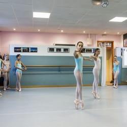 Ecole de danse mam dance schools mazargues marseille for Cours de danse de salon marseille