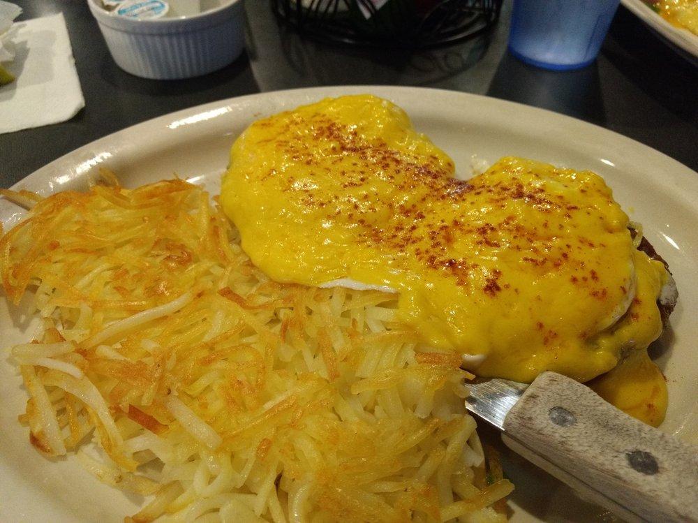 Homestead Cafe Bar & Casino: 7262 US Hwy 93, Lakeside, MT