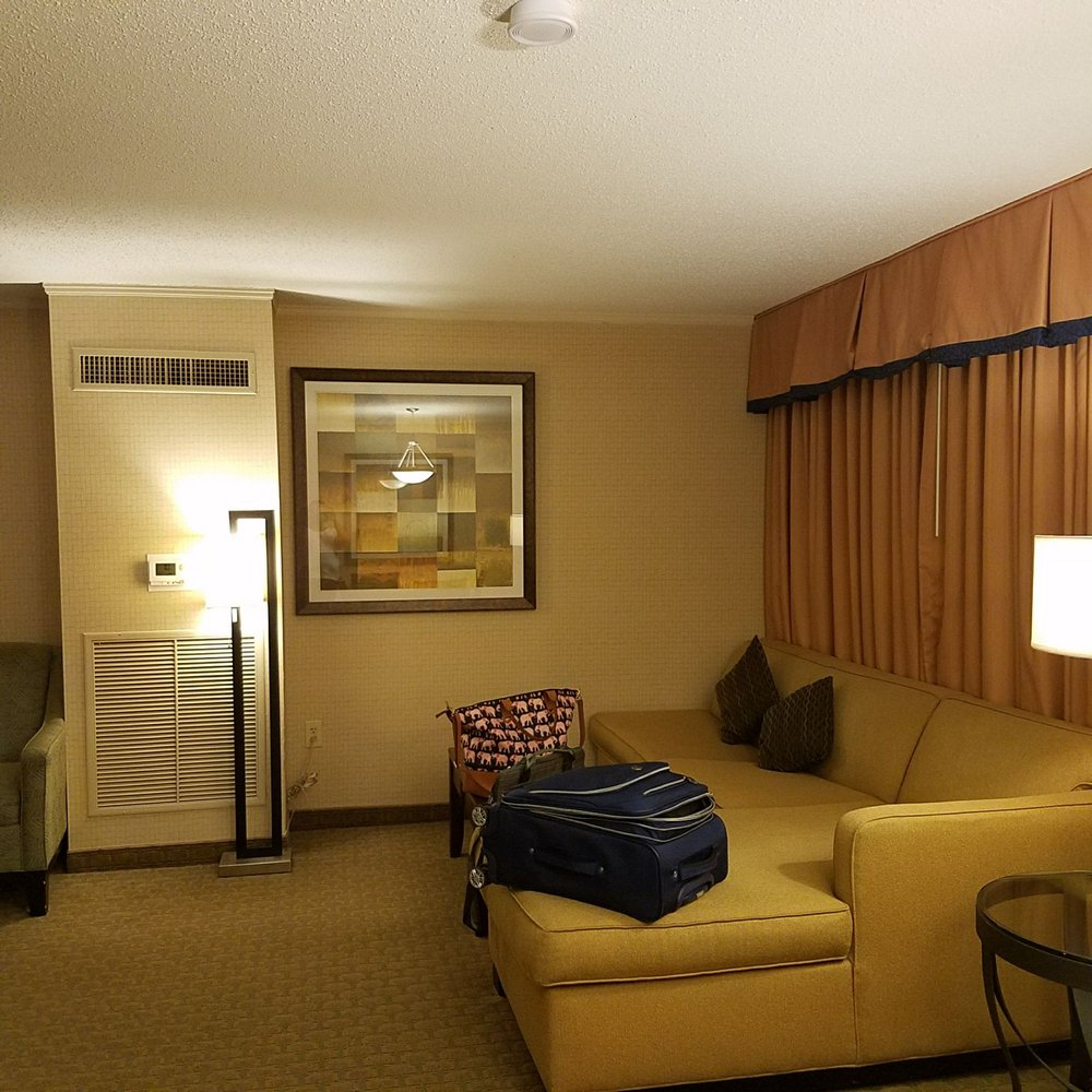 Embassy Suites By Hilton Baltimore Inner Harbor 147 Photos 190 Reviews Hotels 222 St