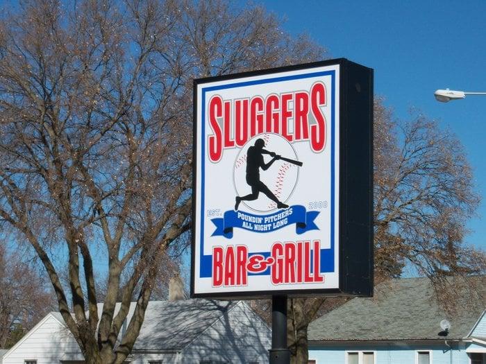 Sluggers Sports Bar: 707 W Anna St, Grand Island, NE