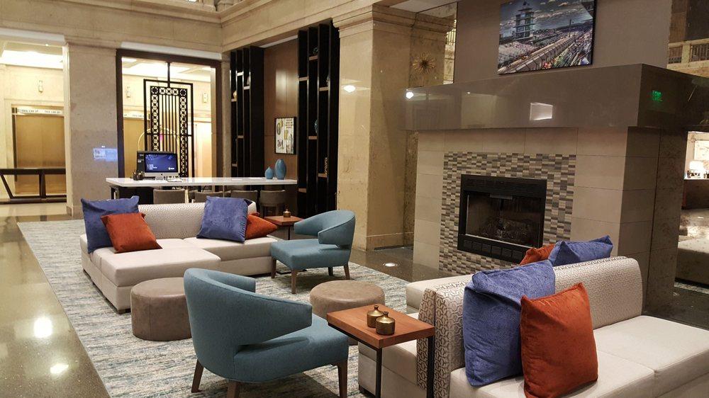 Lobby seating area at hgi downtown indy yelp - Hilton garden inn downtown indianapolis ...