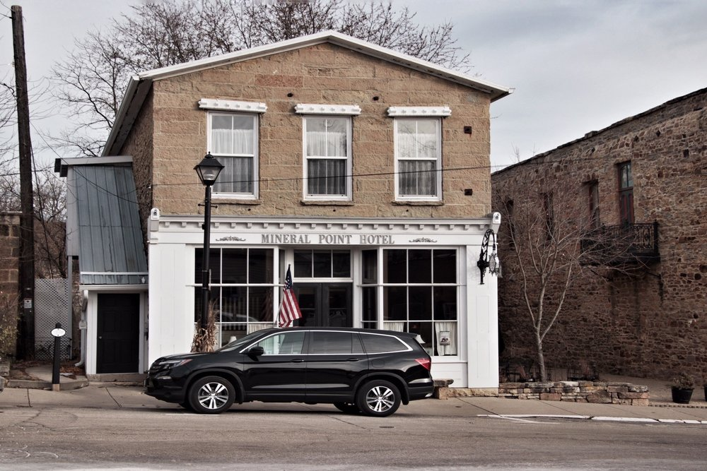 Mineral Point Hotel: 121 Commerce St, Mineral Point, WI