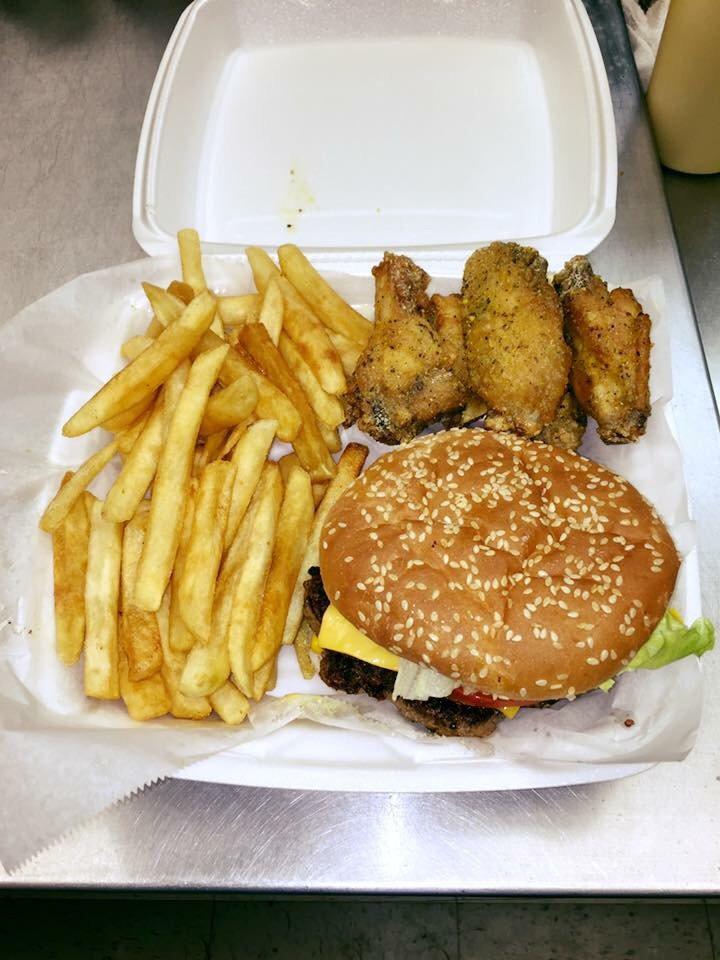 Grab N Go Snack Shop: 220 W Hill St, Thomson, GA