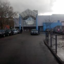 salle des gratte ciel stadiums arenas 98 rue francis de pressens 233 villeurbanne