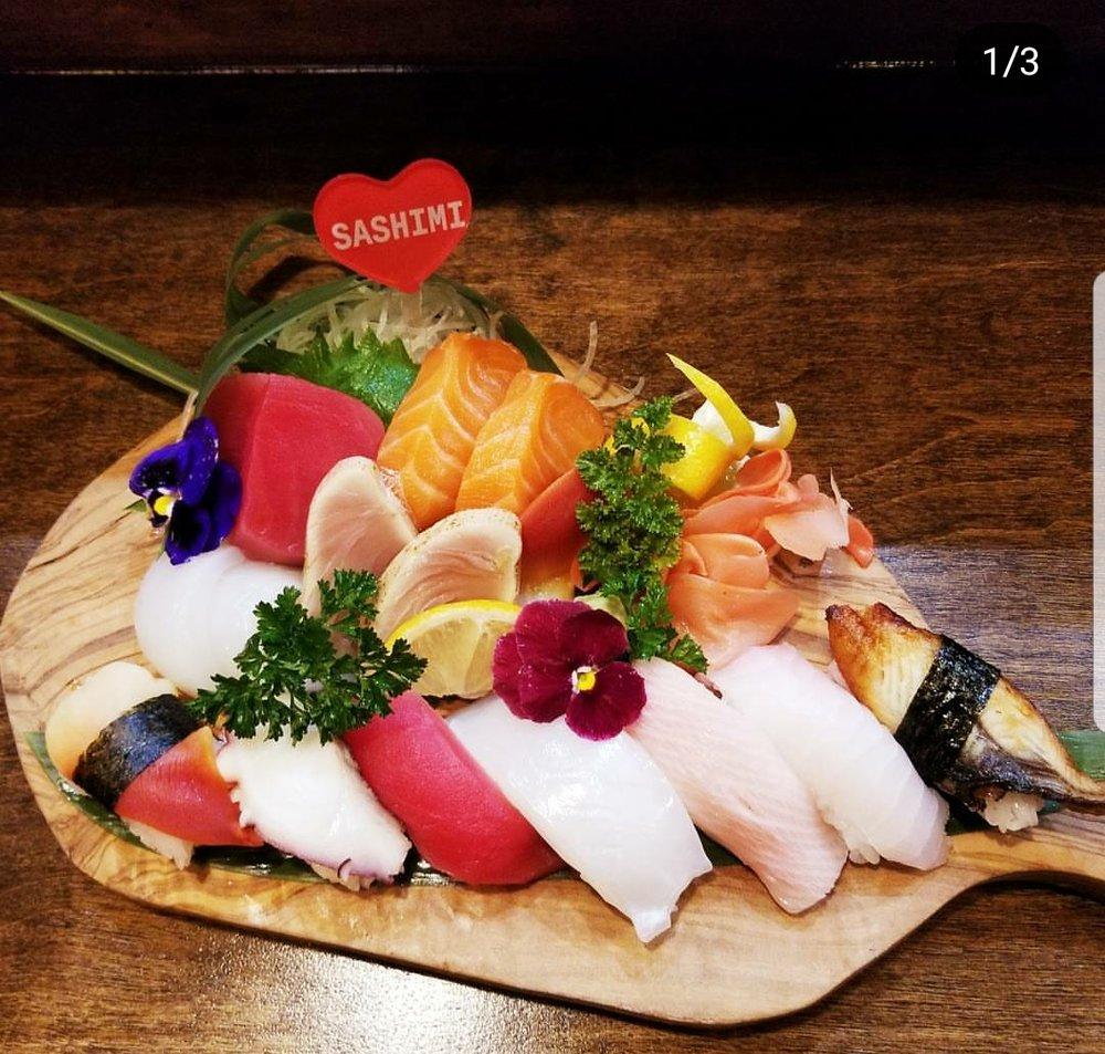 Sunny's Sushi: 7460 Cimarron Market, El Paso, TX
