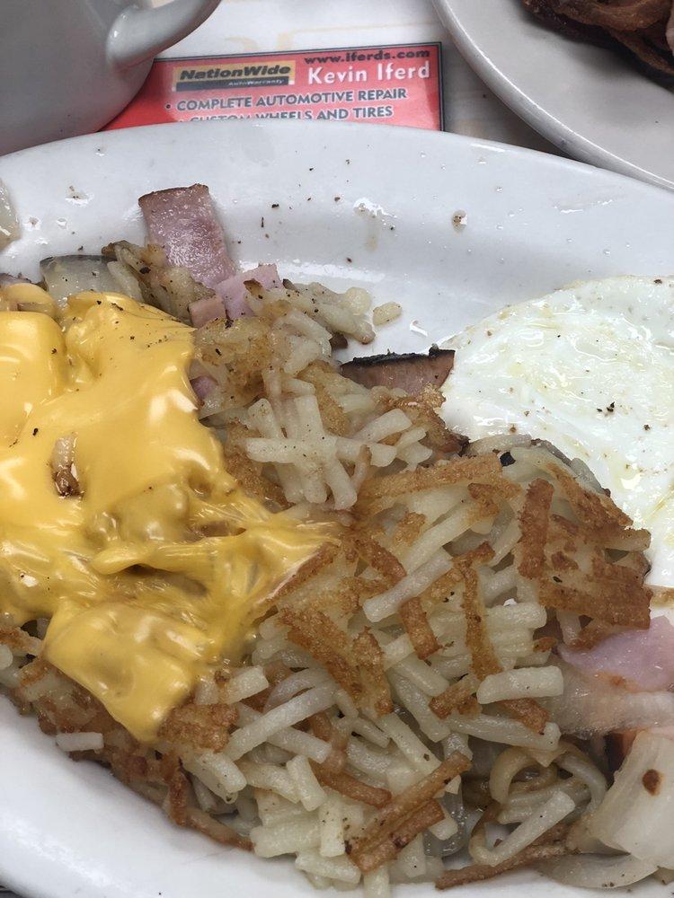 Corams Steak & Egg: 804 S Tyndall Pkwy, Panama City, FL