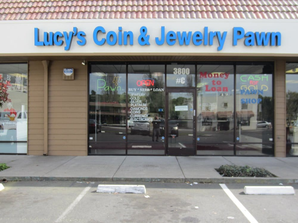 lucy s coin and jewelry pawn 24 reviews pawn shops