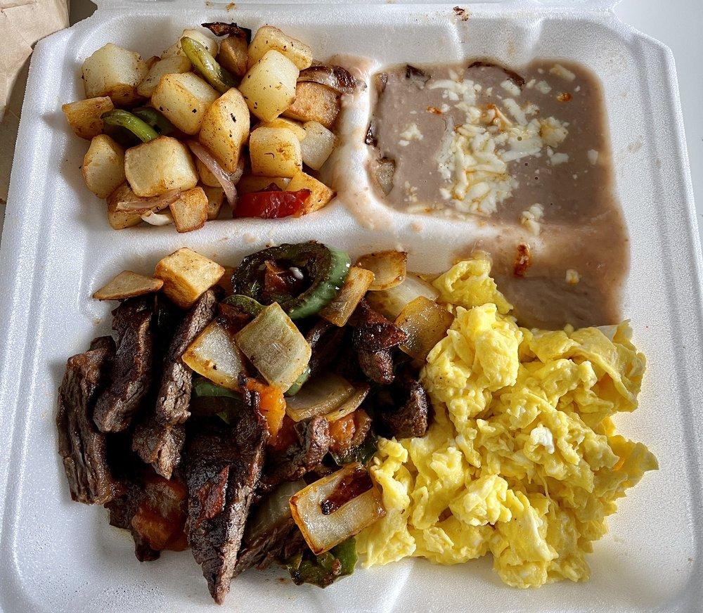 Macho's Grill: 7300 Roosevelt Rd, Forest Park, IL