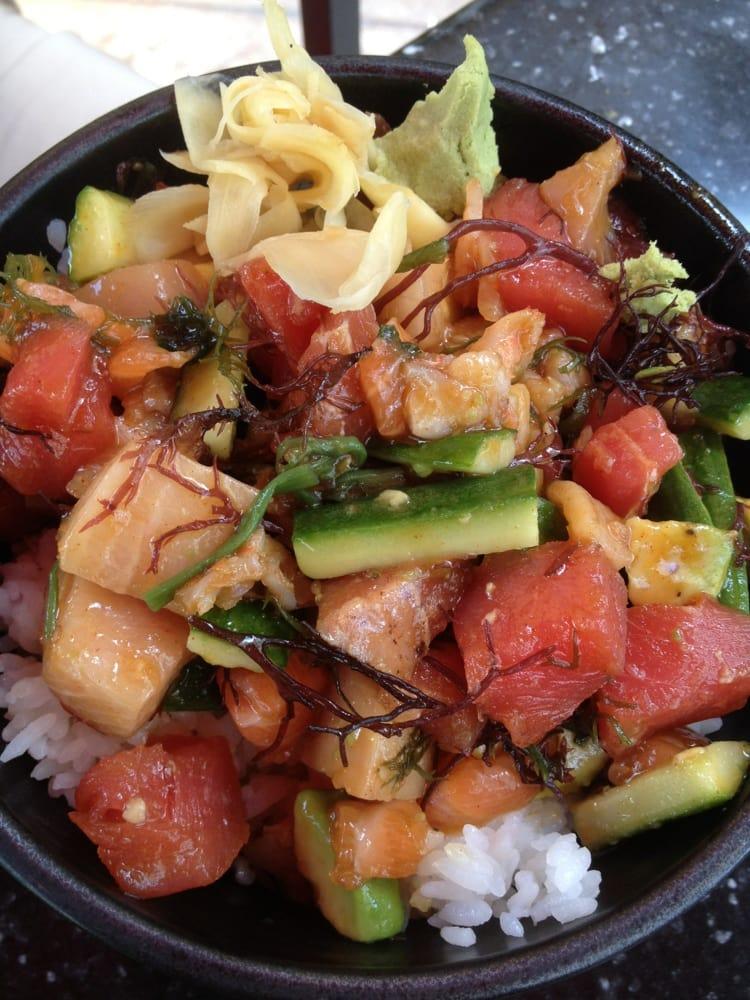 Lunch Bara Chirashi Bowl Tuna Salmon Yellowtail Shrimp Avocado Cucumbers With Veggies