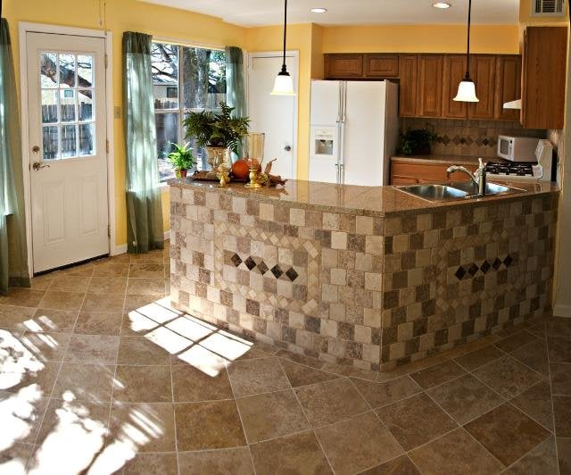Bill's Specialties Custom Tile: 6575 Red Robin Rd, Placerville, CA