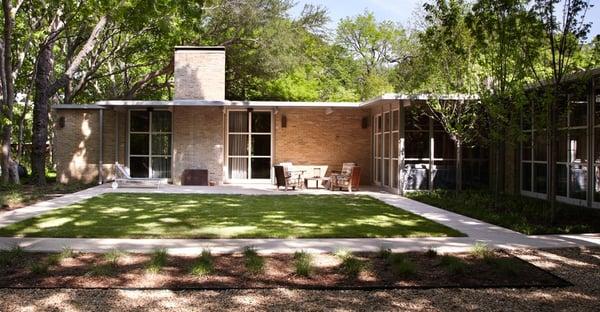 Bauhaus custom homes architetti e geometri 1512 edison for Century custom homes