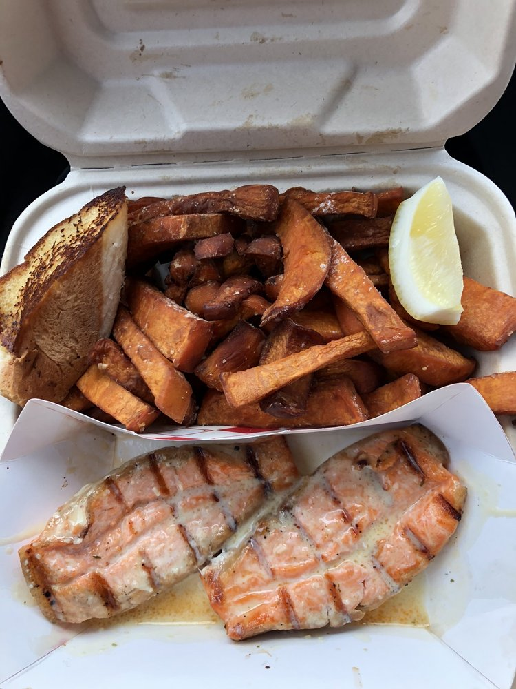Food from Long Beach Fish Grill
