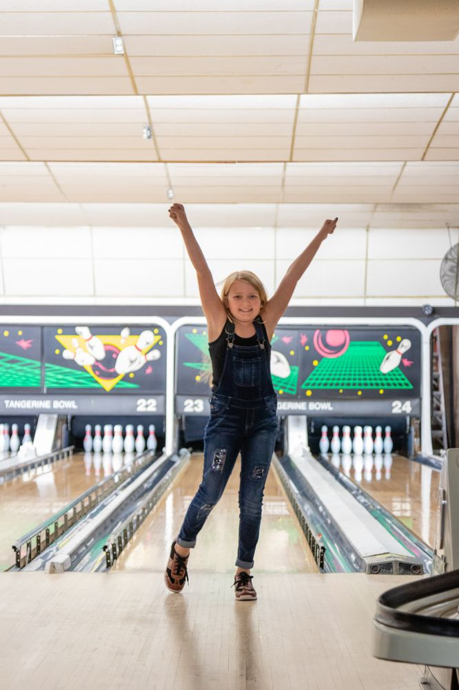 Spare Time Sports Bar: Tangerine Bowl, Quincy, IL