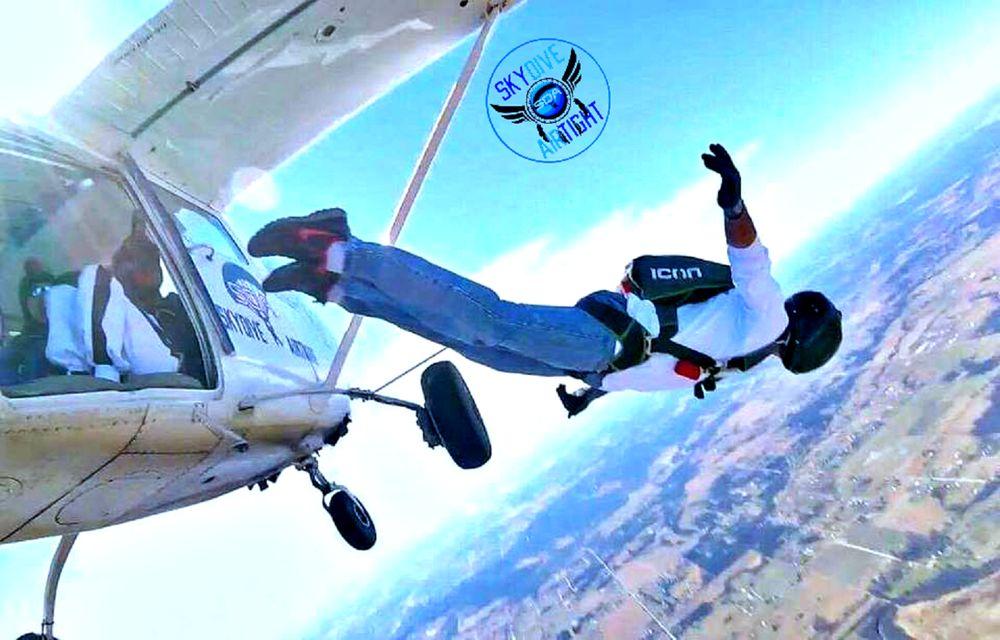 Skydive Airtight: 1651 S Lombard Ln, Skiatook, OK