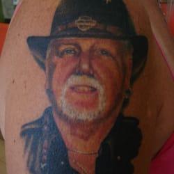 Oasis tattoo company 29 445 woodman dr for Tattoo shops dayton ohio