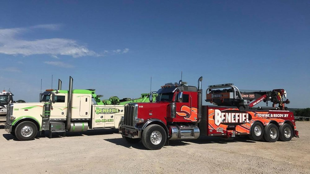 Towing business in Maryville, MO