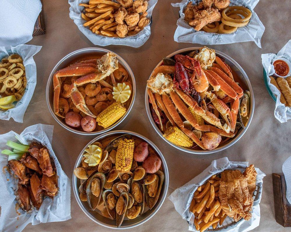 Crafty Crab: 8496 Palm Pkwy, Orlando, FL