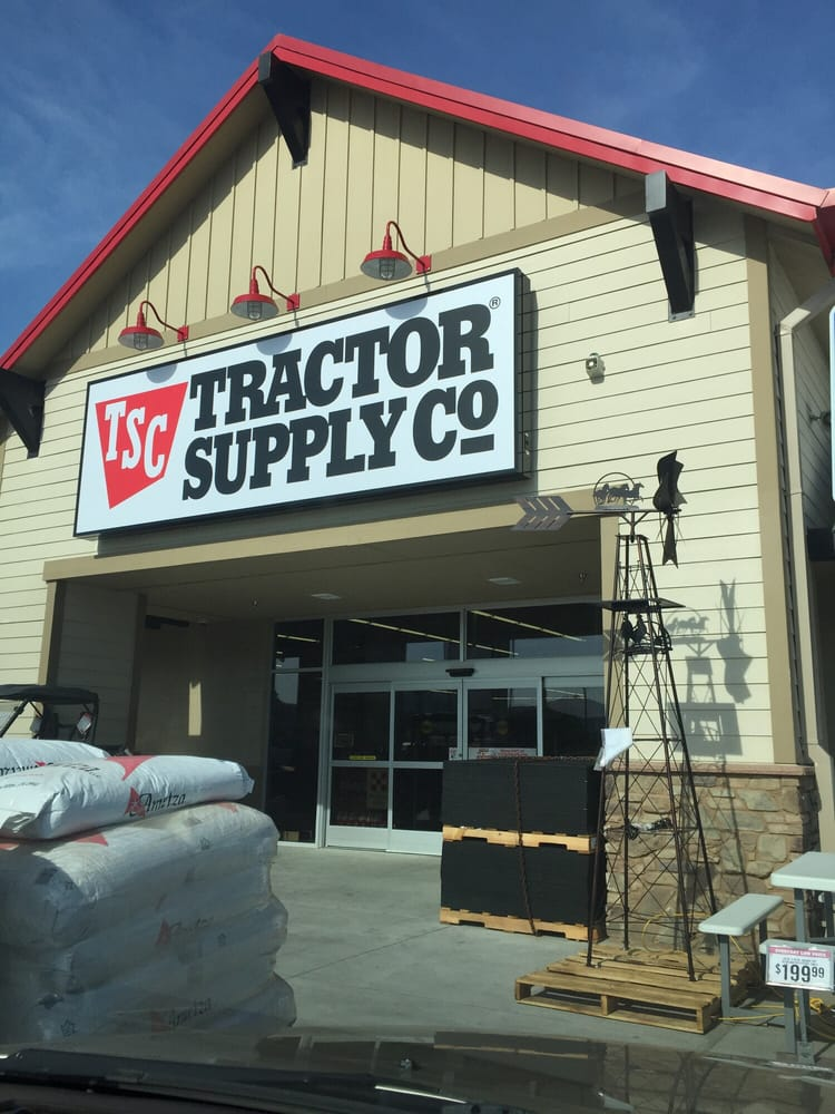 Tractor Supply Co 15 Reviews Hardware Stores 3741 W