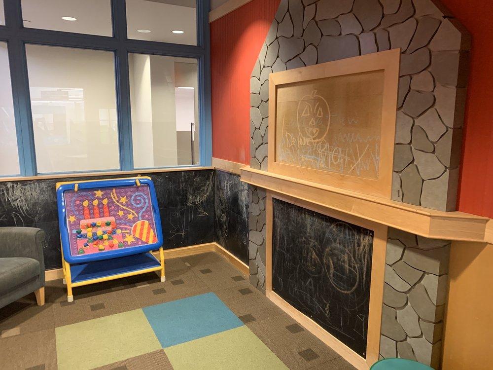 Hinsdale Public Library: 20 E Maple St, Hinsdale, IL