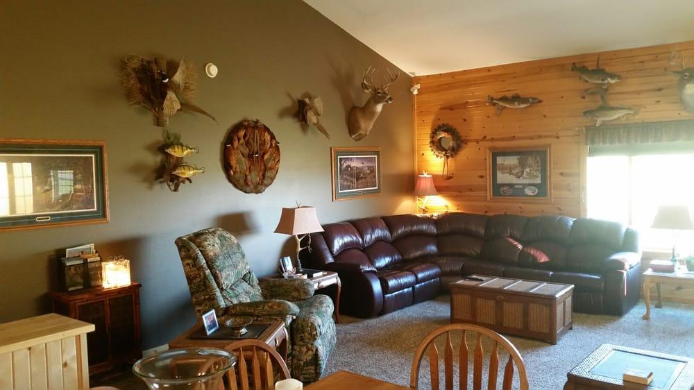 Platte Creek Lodge: 36537 Platte Lake Rd, Platte, SD
