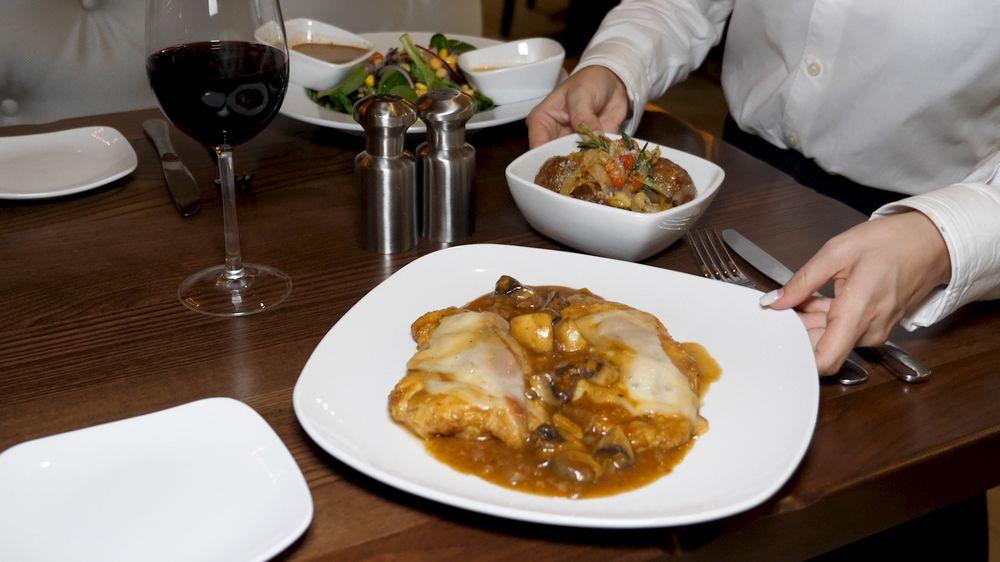 Cucina Moderna: 9918 Lyons Rd, Boynton Beach, FL
